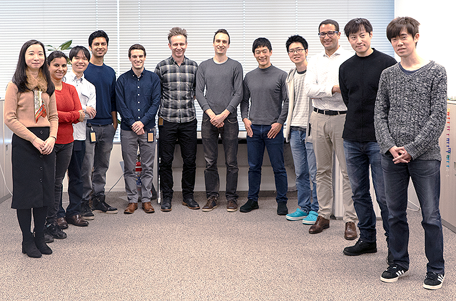 写真.竹井さんがマネジメントしているブロックチェーンのエンジニアチーム